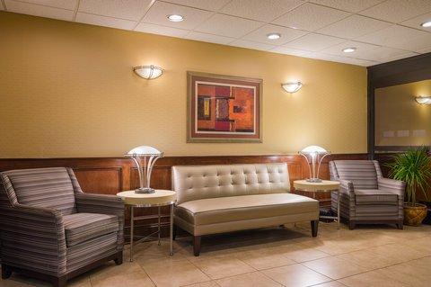 фото Holiday Inn Express Washington DC East- Andrews AFB 488909276
