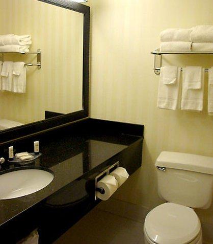 фото Fairfield Inn & Suites Bismarck South 516555928
