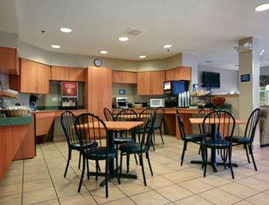 фото Microtel Inn & Suites Uncasville 516564422