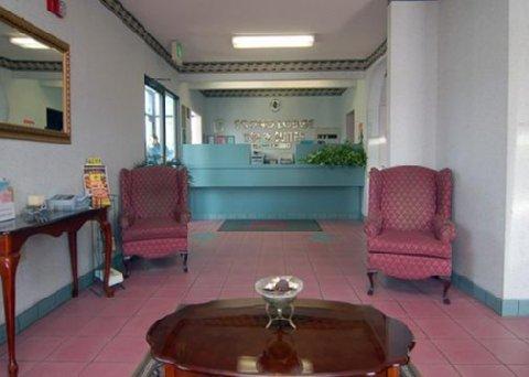 фото Econo Lodge Inn & Suites Northport 516564977