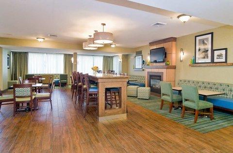 фото Hampton Inn New Philadelphia 516595357