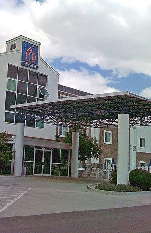 фото Motel 6 Denver East - Aurora 516635986