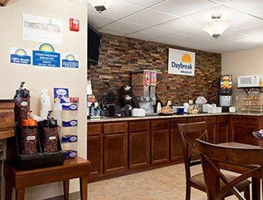 фото Days Inn & Suites Gunnison 516904226