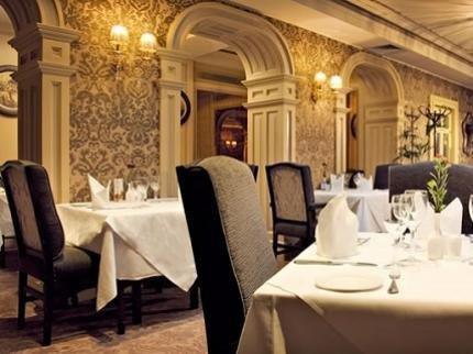 фото Buswells Hotel 53267136