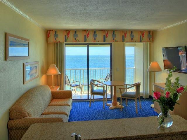 фото Sailport Waterfront Suites 542838932