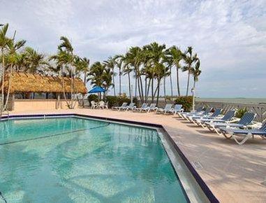 фото Key West Bayside Inn & Suites 548370895