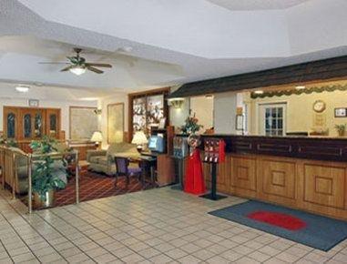 фото Orangewood Inn and Suites 57501046