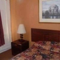 фото Europa Hotel & Hostel 587316180