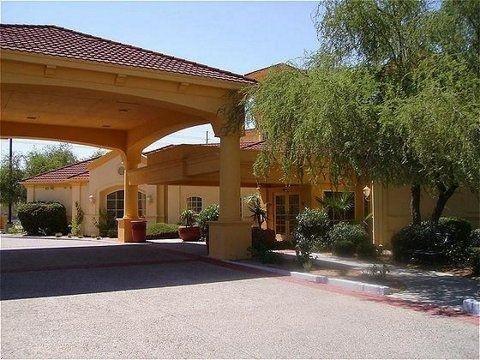 фото La Quinta Inn & Suites Phoenix Scottsdale 587322462
