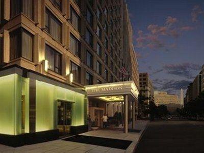 фото Days Inn & Suites 587338975