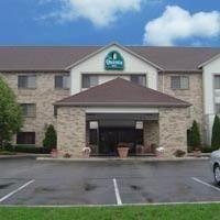 фото La Quinta Inn & Suites Milwaukee Delafield 587349847