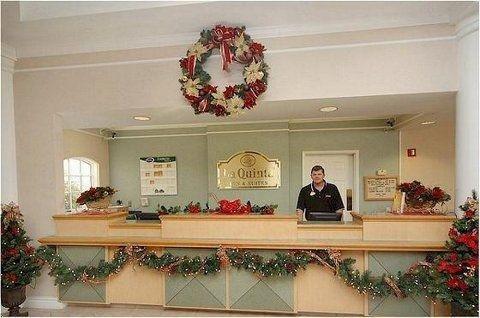 фото La Quinta Inn & Suites Phoenix Scottsdale 587383745