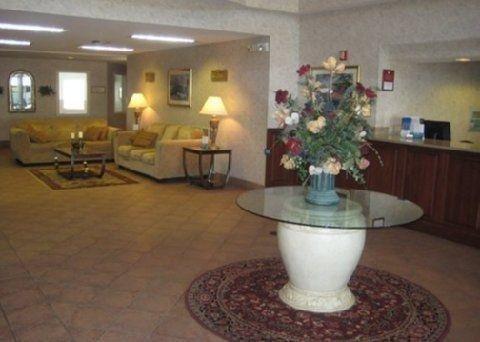 фото Quality Suites Airport Kansas City 587390385