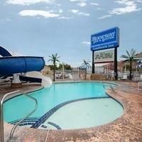 фото Rodeway Landmark Inn 587439422