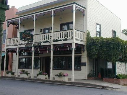 фото Historic National Hotel & Restaurant 5934219