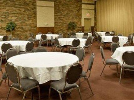 фото Ramada Inn Ft Wright/I-75 Cincinnati 5935314