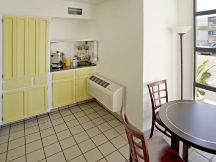 фото Budget Inn and Suites Stockton Yosemite 5935541