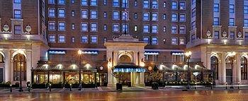 фото Amway Grand Plaza Hotel 595835555