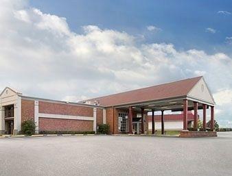 фото Americas Best Value Inn Fredericksburg 596464398