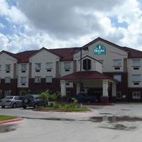 фото Deluxe 6 Inn & Suites 596494754