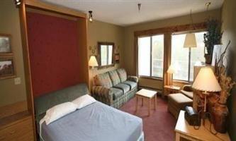 фото Snowblaze Resort & Athletic Club 596513543