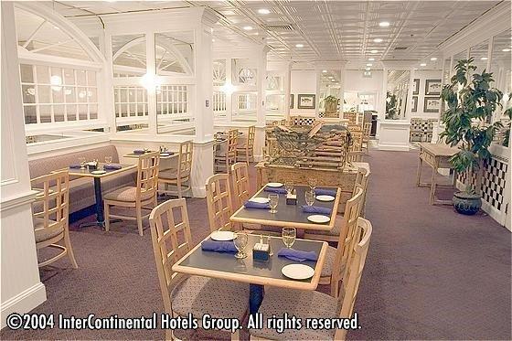 фото Holiday Inn Boston-Bunker Hill 596722517