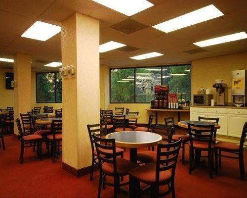 фото Comfort Inn & Suites Alexandria 596801852
