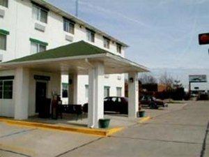фото Quality Inn East Evansville 596802569