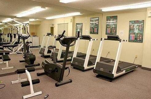 фото Hawthorn Suites by Wyndham Detroit Farmington Hills 596914609
