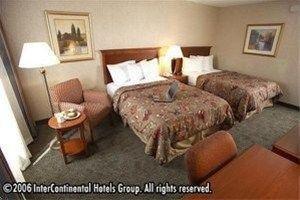 фото Holiday Inn Cincinnati-Riverfront 596914873