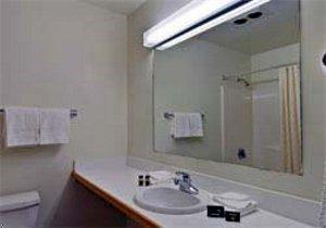 фото Travelodge Newport 596917030