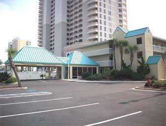 фото Days Inn Pensacola Beachfront 596940836
