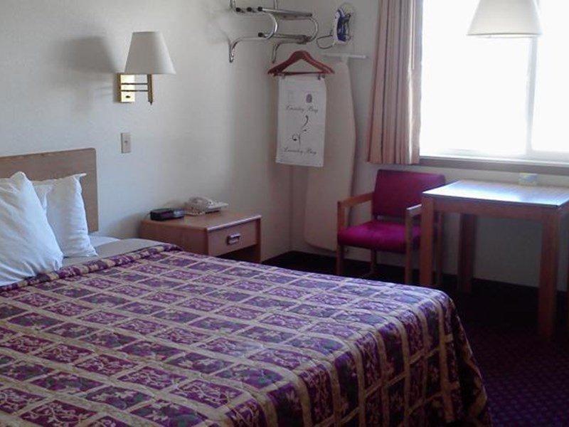 фото Days Inn Taos 596950998