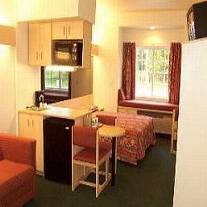 фото Econo Lodge Inn & Suites Shallotte 596962617