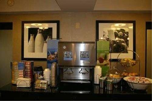 фото Hampton Inn Plano-North Dallas 596965012