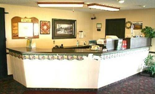 фото East Grand Inn 596968495