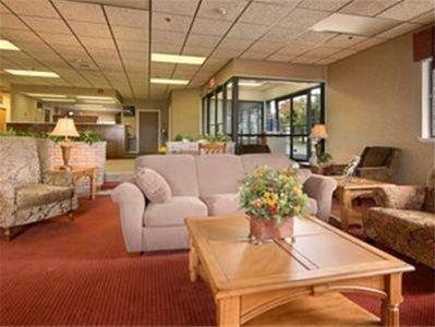 фото Super 8 Motel - Henrietta/Rochester Area 596990513
