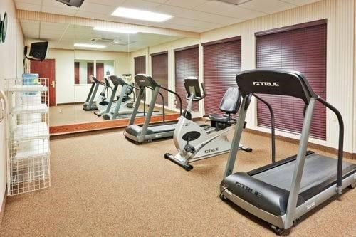 фото Holiday Inn Express & Suites Philadelphia-Choctaw 596992649