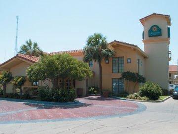фото La Quinta Inn San Antonio Market Square 597003026