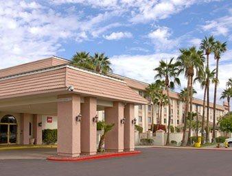 фото Holiday Inn North Phoenix (ex. Ramada Plaza Hotel at Metro Center) 597010912