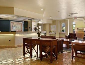 фото Holiday Inn North Phoenix (ex. Ramada Plaza Hotel at Metro Center) 597010913