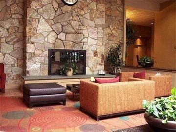 фото Holiday Inn Waterbury 597013834