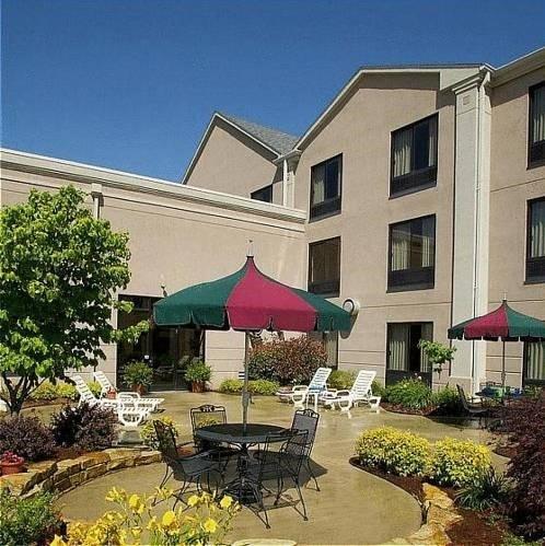 фото Auburn Place Hotel & Suites Paducah 597017512
