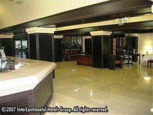 фото Crowne Plaza Suites Houston Southwest 597062857