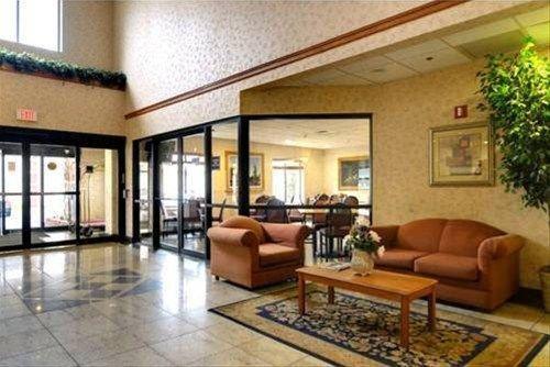 фото Best Western Inn & Suites - Midway Airport 597066985