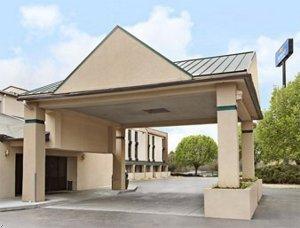 фото Comfortt Inn & Suites Statesville 597080295
