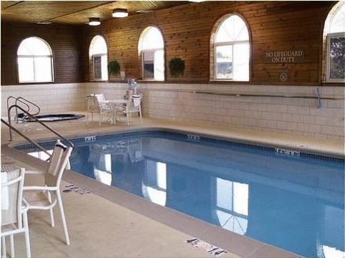 фото Holiday Inn Express Galesburg 597128487