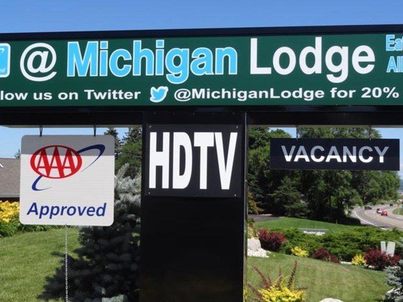 фото @ Michigan Inn & Lodge 597129158