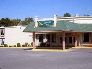 фото Rodeway Inn Martinsburg 597150465