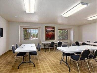 фото Microtel Inn & Suites Cheyenne 597153739